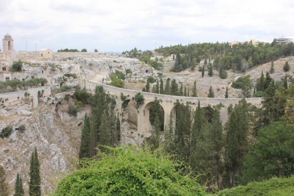 Visita Guidata A Gravina In Puglia E Il Suo Habitat Rupestre Per Gruppi E Scuole